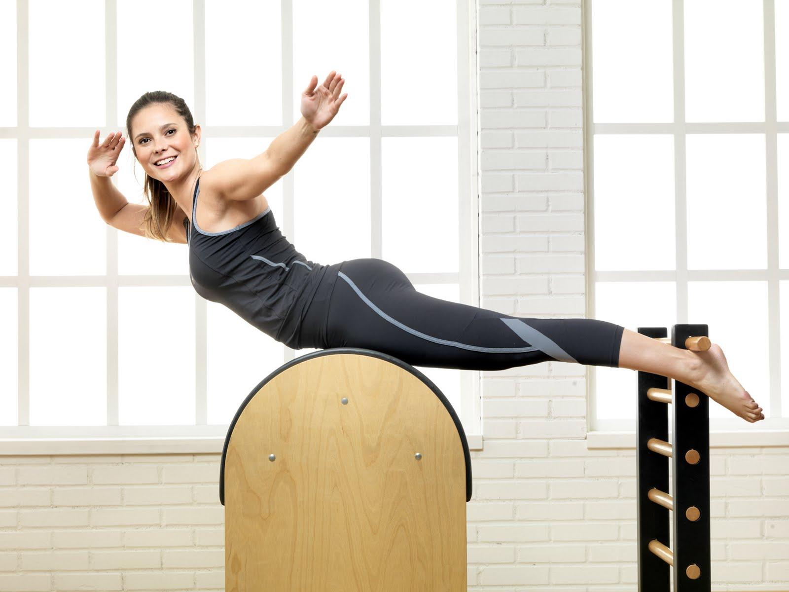 Hyperbolic Stretching women